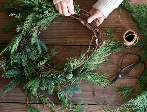 Holiday Wreath-Making with Nature